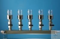 Edelstahlhalter für Filtertiegel Absaugbrücke für Vakuumfiltration in der Rückstandsanalyse. Die...