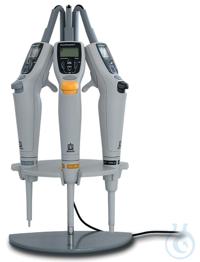 Support de charge pour 3 Transferpette® électroniques, adaptateur CA Europe, sauf 0,5-5 ml